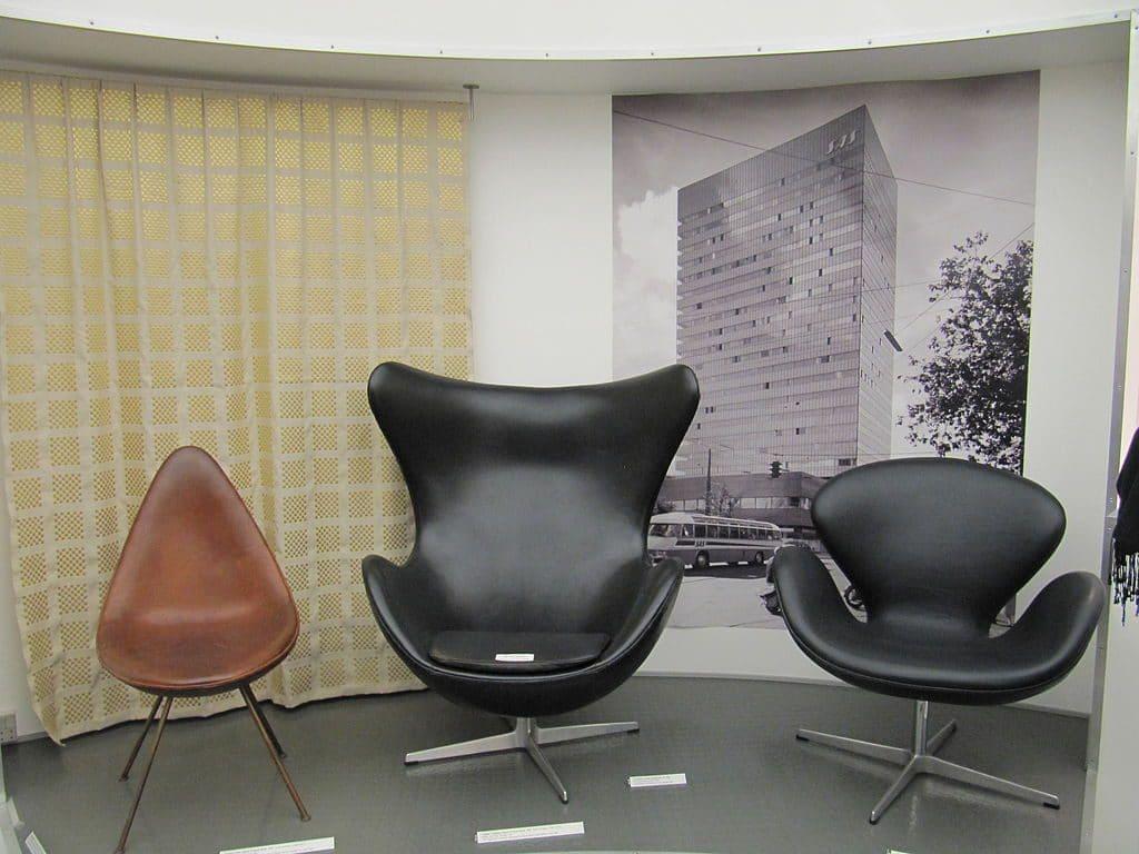 Křeslo EGG od Arneho Jacobsena slaví šedesátiny