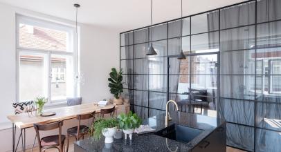 Rekonstrukce bytu ve Vršovicích od Ateliéru Bárka