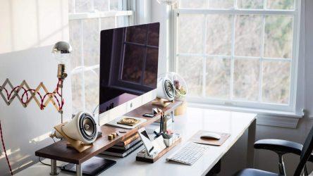 Nejčastější chyby při sezení na home office i v kanceláři. Děláte je taky?